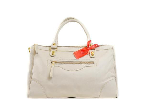 Laura Di Maggio leather handbag available at cherri bellini