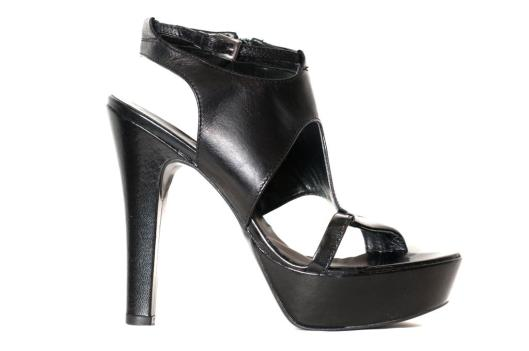 Chocola black cut out heel