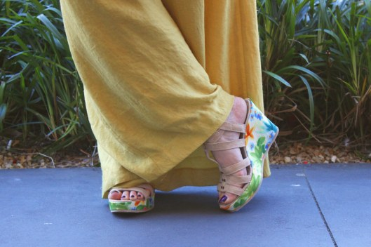 floral wedges closeup