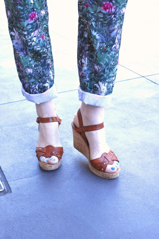 tan wedges printed pants