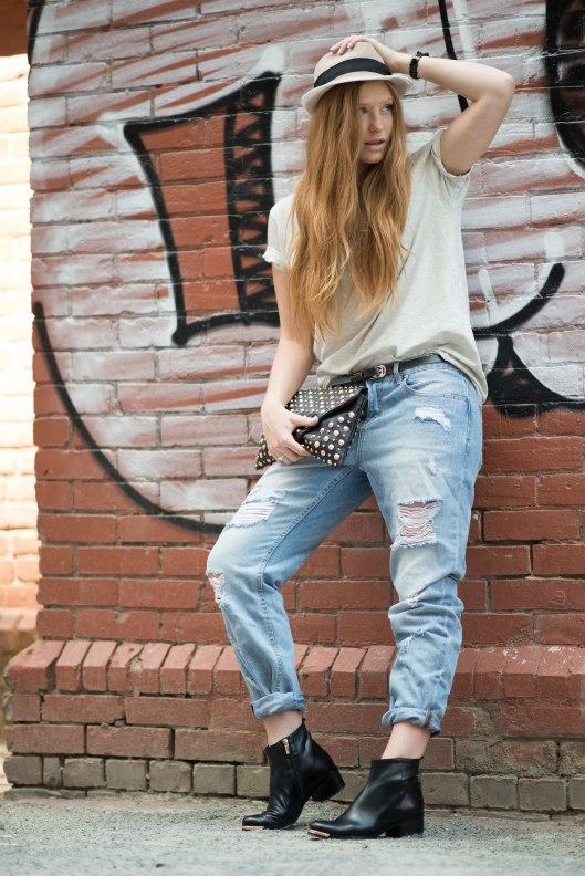 ankle boot boyfriend jeans street style