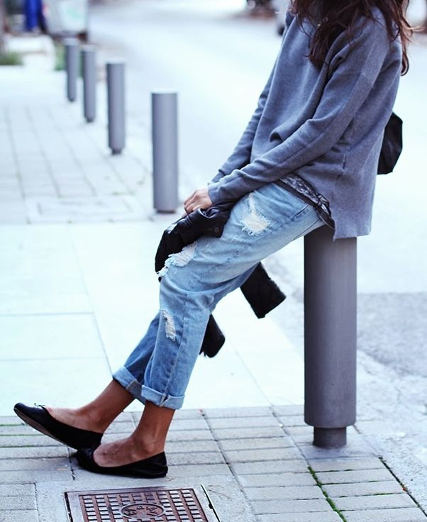 Cropped boyfriend jeans are proportionally easier to wear with flat shoes. Wearing a belt in the same colour as your shoes is an easy way to pull together the outfit. The examples that illustrate each style of footwear are by no means exhaustive.