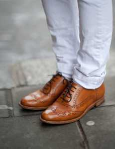 1336662178-1b.-brogues-street-style__large